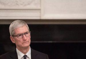 《苹果要赔三星 6.83亿美元:iPhone卖不动的话,C2M模式会是解药吗?》